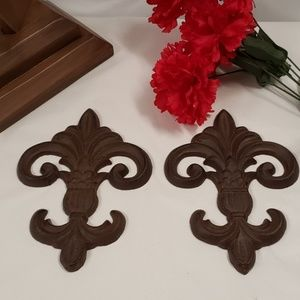Cast metal wall decor